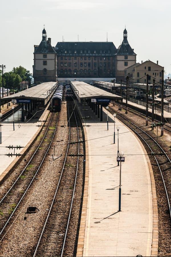 Terminal interurbain de trains à la station de Haydarpasa images libres de droits