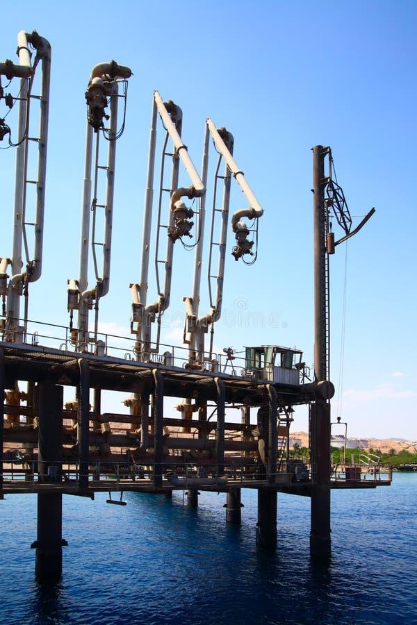 terminal naftowy zdjęcia royalty free