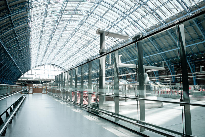 Terminal novo de Eurostar em Londres foto de stock