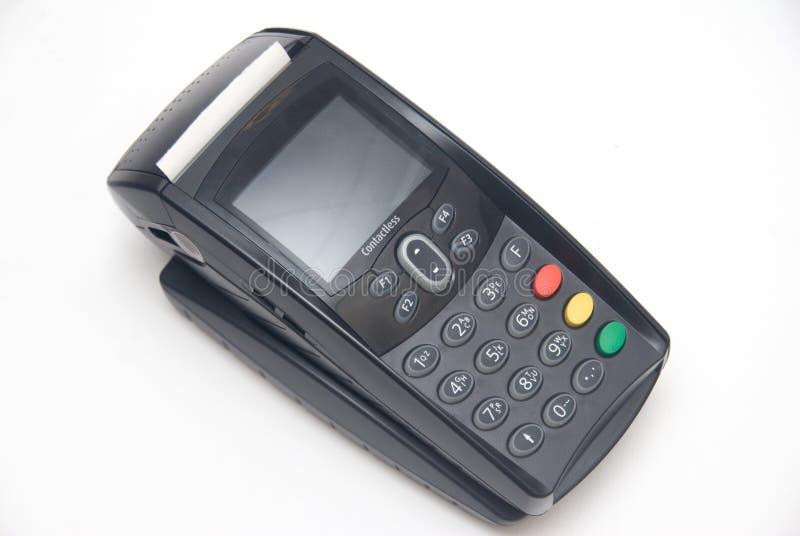 Terminal sem contacto portátil do cartão de crédito na base imagem de stock royalty free
