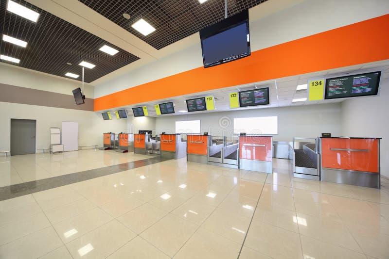 Terminal vacío en el aeropuerto foto de archivo