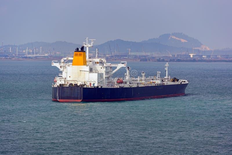 Terminale di acqua profonda del petrolio di Pengerang con le autocisterne immagine stock libera da diritti