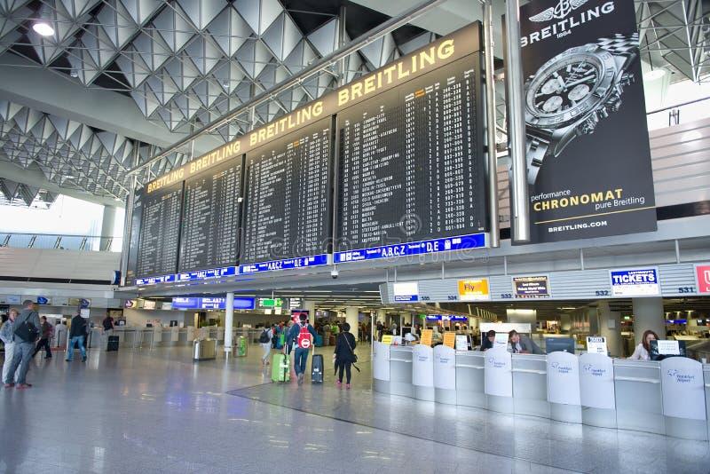 Terminale di aeroporto di Francoforte 1 Compressa di tempo fotografia stock