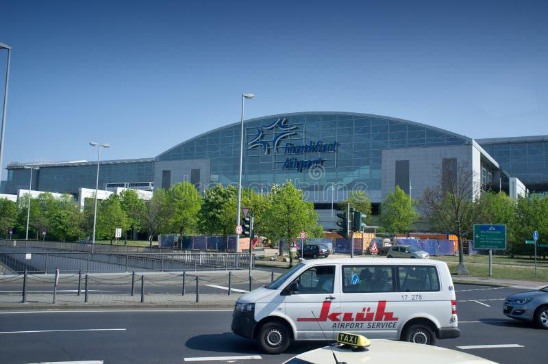 Terminale di aeroporto di Francoforte 2 - costruzione moderna fotografia stock