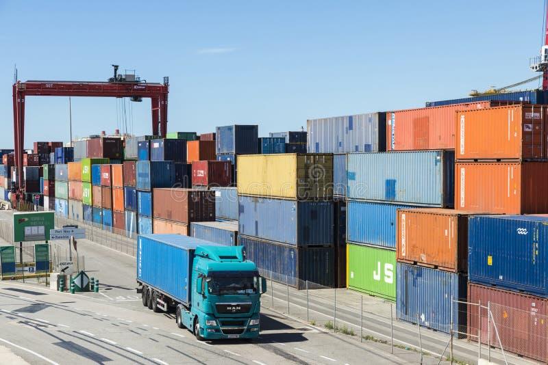 Terminale di contenitore a Barcellona immagine stock libera da diritti