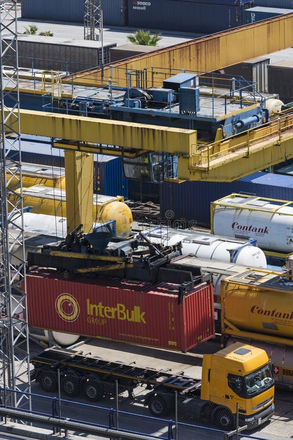 Terminale di contenitore a Barcellona fotografia stock