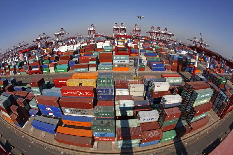 Terminale di contenitore della porta della Cina Qingdao immagine stock libera da diritti