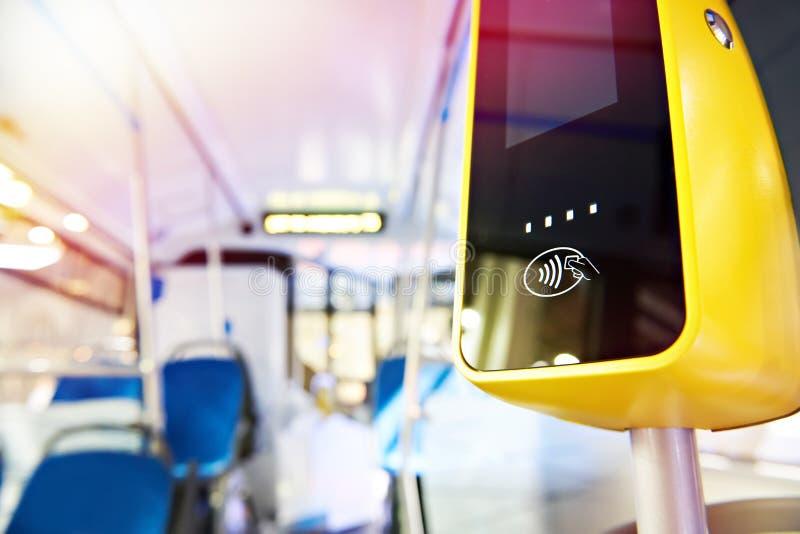 Terminale di pagamento in bus immagine stock libera da diritti
