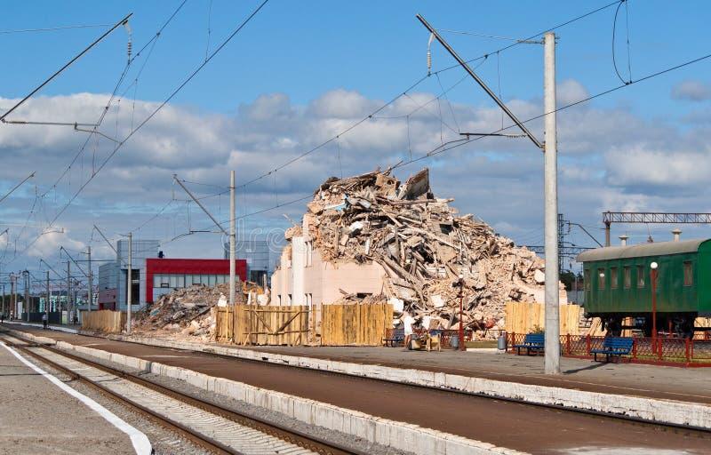 Terminale ferroviario distrusso fotografie stock