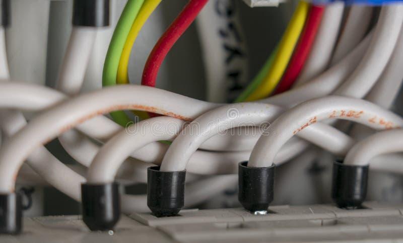 Terminale, kontakty, obwodów łamacze depeszuje w elektrycznym switchboard pod warunkiem, że bezpieczna dostawa elektryczność zdjęcia royalty free