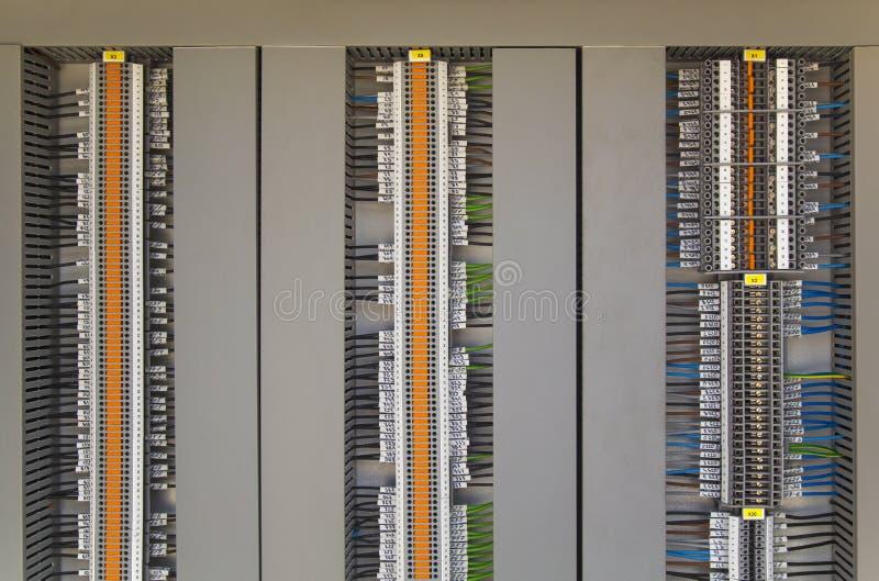 Terminales y alambres eléctricos imágenes de archivo libres de regalías