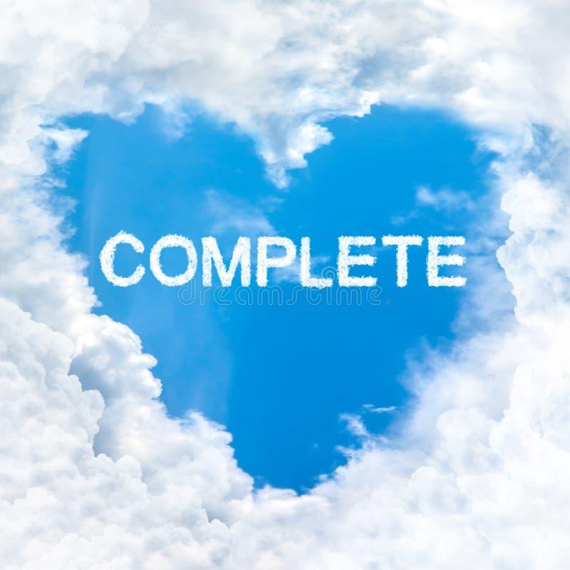 Termine a palavra dentro do céu azul da nuvem do amor somente fotografia de stock royalty free