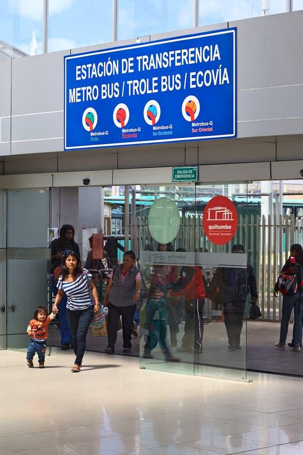 Terminus de bus de Quitumbe à Quito, Equateur images libres de droits