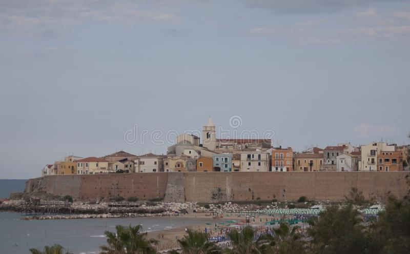 Termoli villaggio di spiaggia di Molise, Campobasso Italia fotografia stock libera da diritti