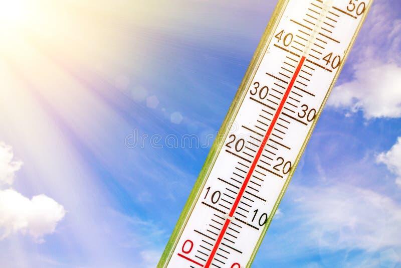 Termometro al sole fotografia stock libera da diritti