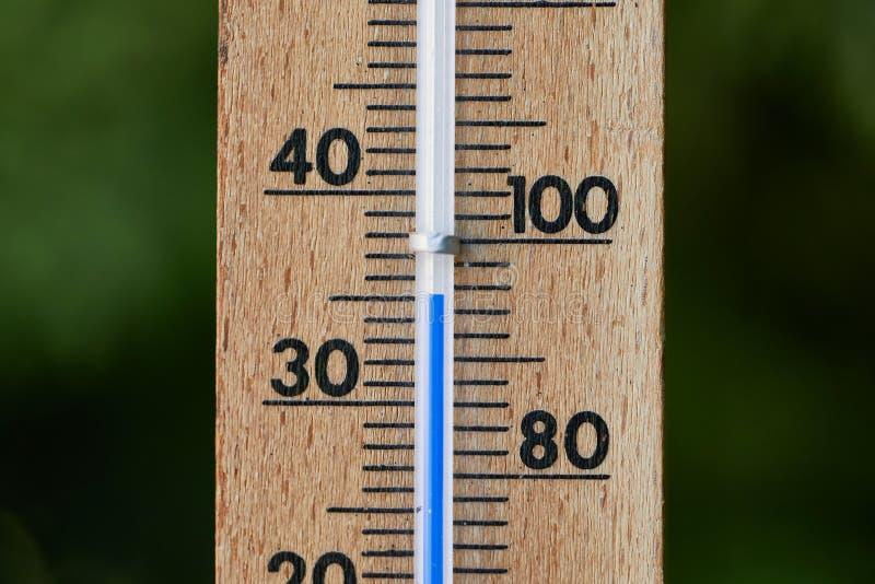 Termometro di estate fotografie stock libere da diritti