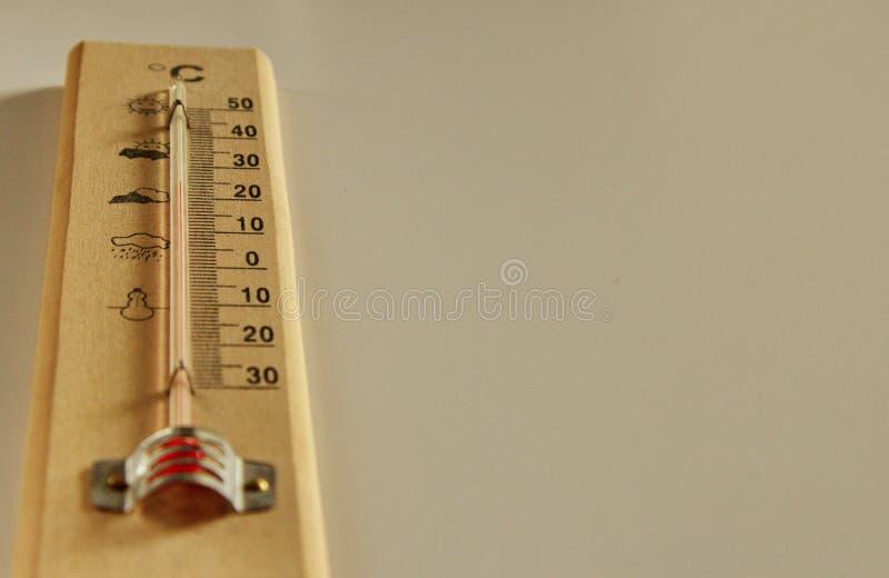Termometro di legno fotografia stock