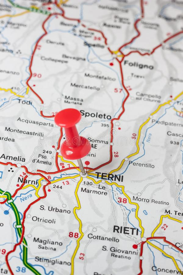 Terni прикололо на карте Италии стоковое изображение