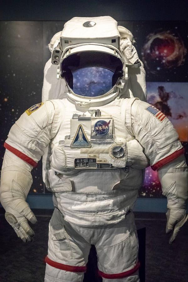 Terno da NASA da HASTE que enfrenta a câmera foto de stock