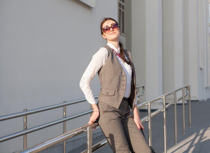 Terno de negócio da mulher, bolsa foto de stock royalty free