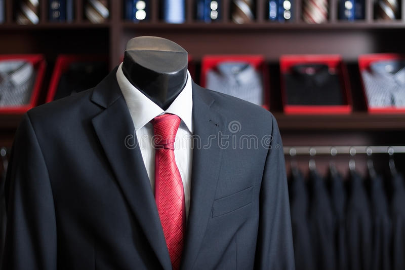 Terno de negócio dos homens em um manequim foto de stock