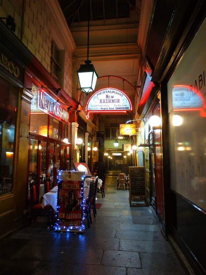 Terraço da tabela do restaurante em Paris em Paris Europa imagem de stock