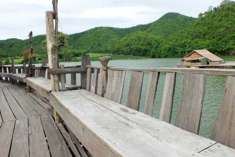 Terraço e reservatório de madeira fotos de stock