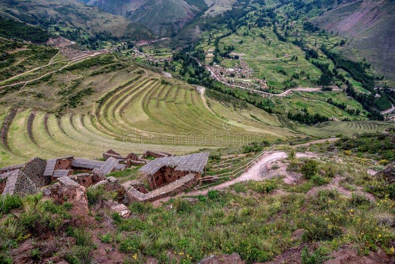 Terraços agrícolas de ruínas do Inca de Pisac, Peru imagem de stock
