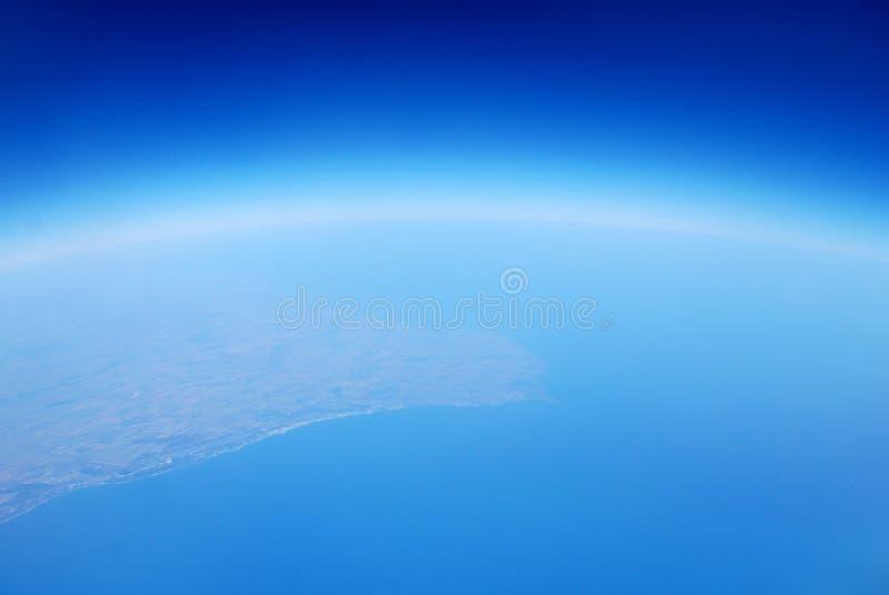 Terra dall'azzurro dell'aria dello spazio del cielo immagine stock