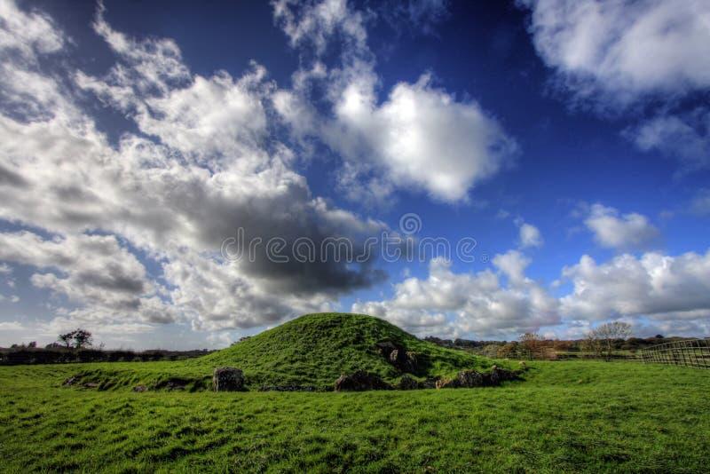 Terra de enterro Neolithic de Ddu dos Celli de Bryn foto de stock royalty free