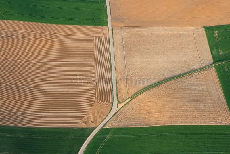 Terra de exploração agrícola aérea imagem de stock royalty free