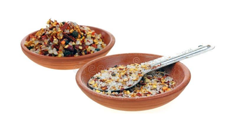 Terra del condimento del aglio del peperoncino rosso intera immagini stock libere da diritti