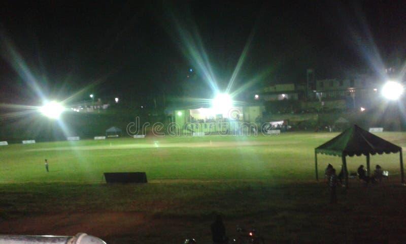 Terra pública de Bandarawela na noite foto de stock