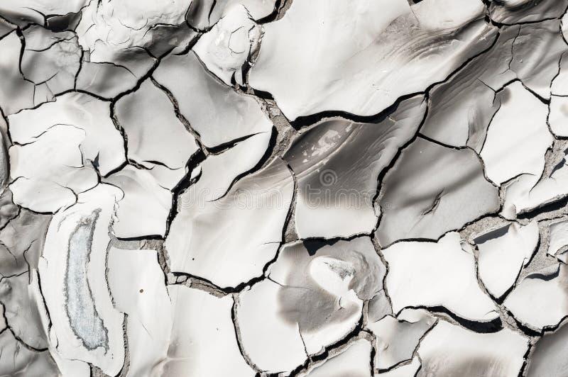 Terra rachada devido à seca imagens de stock royalty free