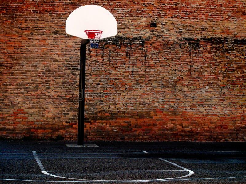 Terrain de basket urbain photographie stock