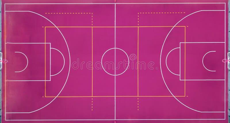 Terrain de basket vide pour le jeu de sports dans le basket-ball Vue strictement de ci-dessus avec le bourdon photographie stock libre de droits