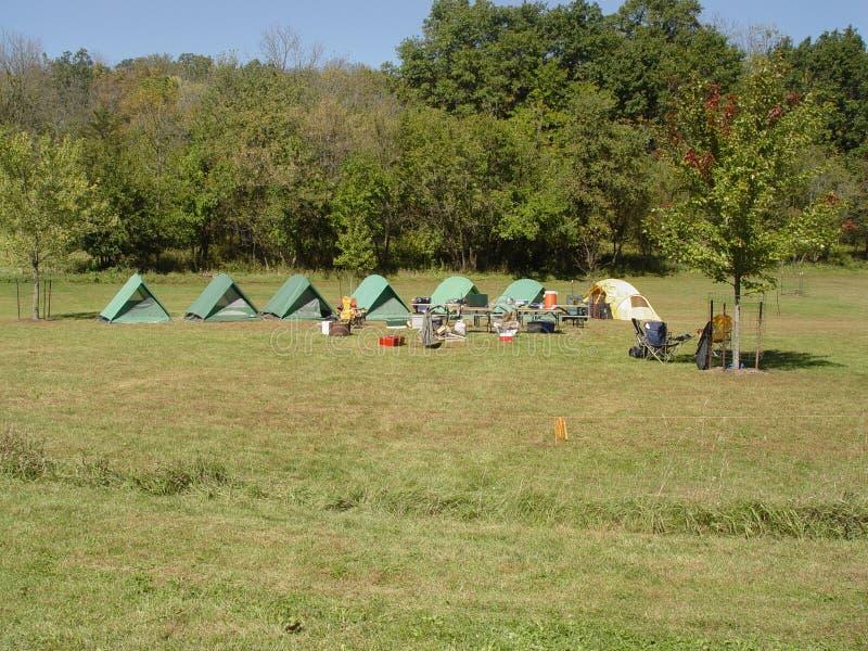 Terrain de camping image stock