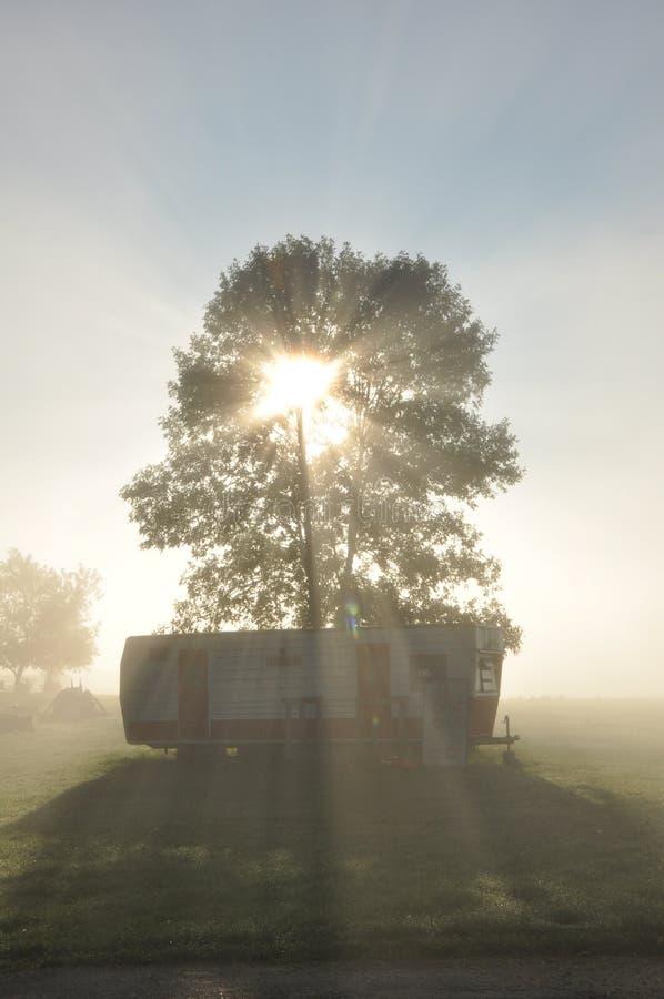 Terrain de camping de marie de lac image libre de droits