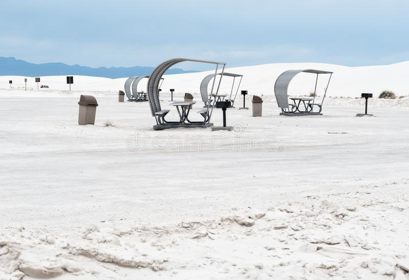 Terrain de camping et aire de pique-nique, sables blancs photos stock