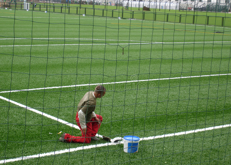Download Terrain de football image stock. Image du circuit, filet - 730713