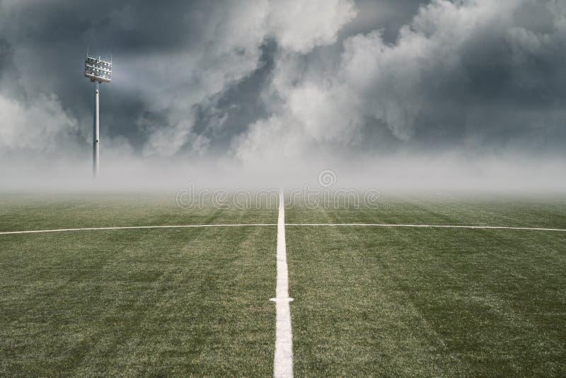 Terrain de football vide images stock