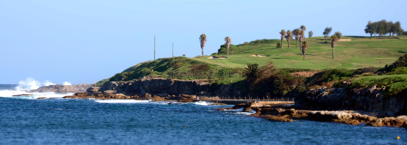 Terrain de golf à la plage de Malabar photos stock