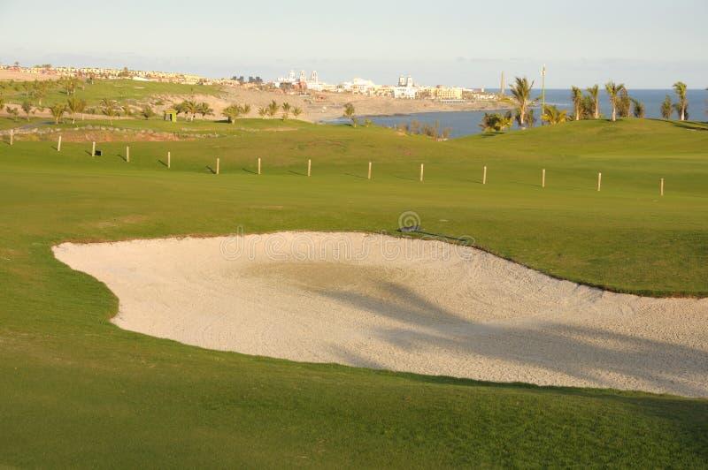 Terrain de golf côtier image libre de droits