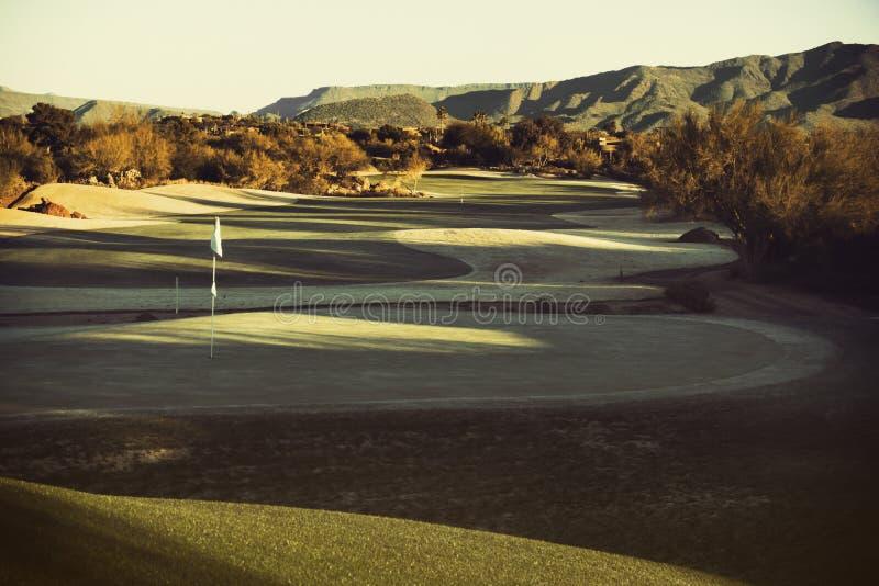 Terrain de golf classieux de désert de l'Arizona images stock