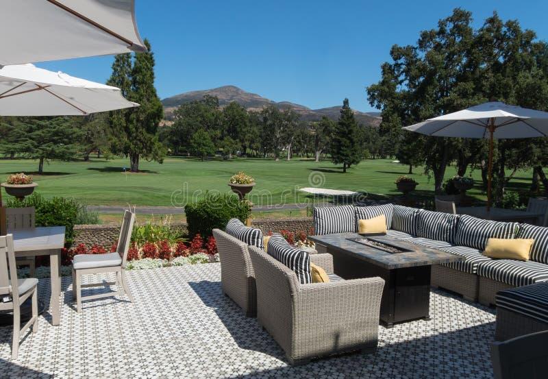 Terrain de golf et patio, station de vacances de Silverado images libres de droits