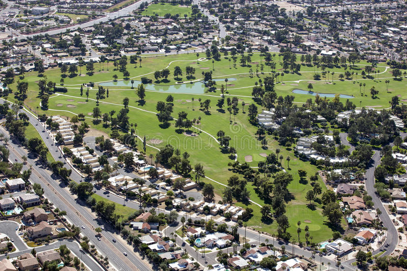Terrain de golf mûr images libres de droits