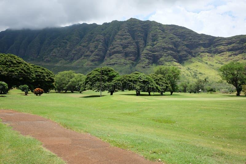 Terrain de golf de vallée de Makaha en Hawaï images libres de droits