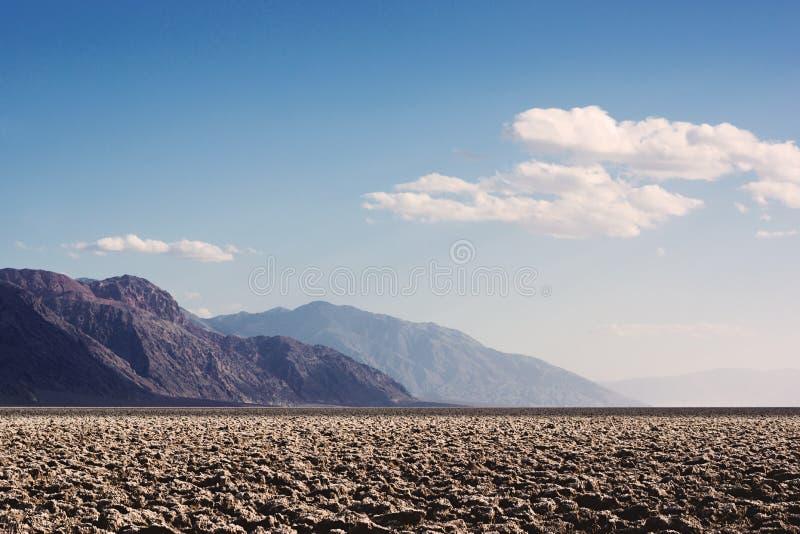 Terrain de jeu du ` s de diable en parc national de Death Valley images stock