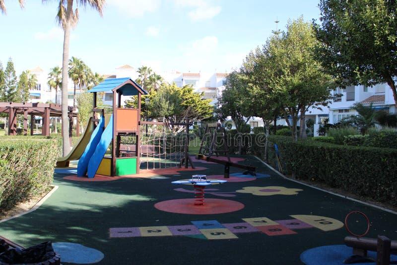 Terrain de jeu pour des enfants photo stock