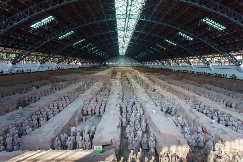 Terrakottaarmé i korridoren, Xian Kina royaltyfri fotografi